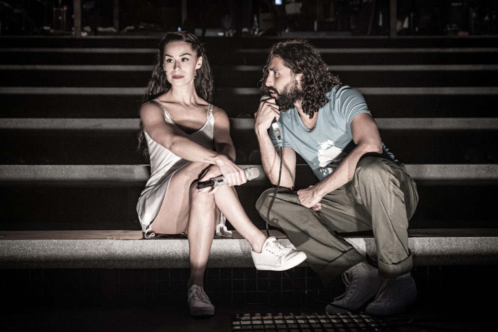 Samantha Pauly as Eva Perón and Trent Saunders as Che in 'Evita' at Regent's Park Open Air Theatre